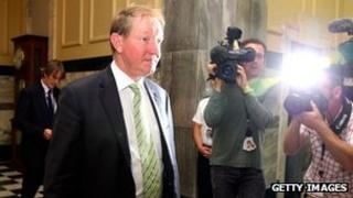 New Zealand minister for climate change, environment and local government Nick Smith resigns 21 March, 2012
