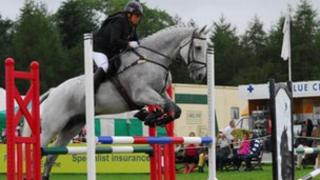 Susi Rogers-Hartley jumping at Blenheim in 2011
