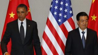 US President Barack Obama and Chinese President Hu Jintao (26 March)