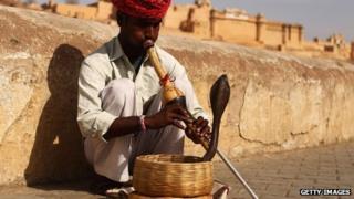Indian snake charmer in Jaipur - 8 April 2010