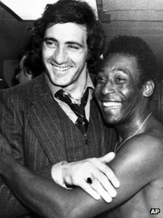 Pele with Giorgio Chinaglia in 1976
