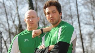 Tom Shanklin a Gavin Henson yn 2009