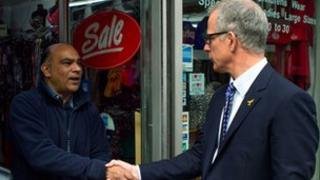 Brian Paddick meeting a business owner in Hackney