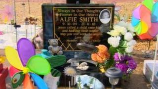 Alfie Smith's grave