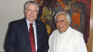 First Minister Carwyn Jones and Kapil Sibal, India's Minister for Human Resource Development