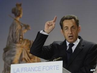Nicolas Sarkozy addresses supporters in Paris, 15 April