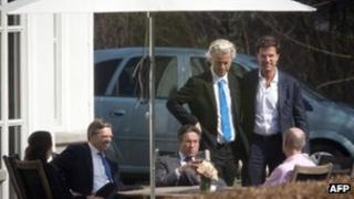 Dutch leaders meet at the PM's official residence for budget talks