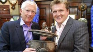 Nick Hewer and Aled Jones on Cash in the Celebrity Attic