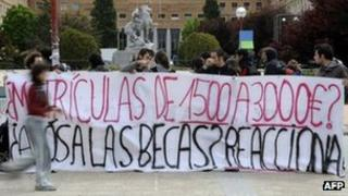 Students in Madrid protest against the austerity budget on 25 April