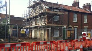16 Finkelgate demolished, leaving five Victorian cottages