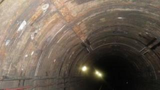 Bakerloo line empty tunnel