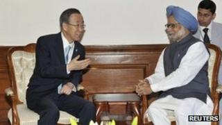 """United Nations Secretary-General Ban Ki-moon (L) speaks with India""""s Prime Minister Manmohan Singh during their meeting in New Delhi April 27, 2012."""