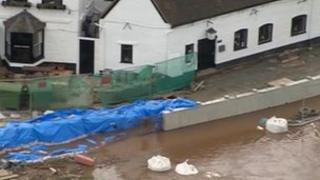 Unfinished flood defences at Upton-Upon-Severn