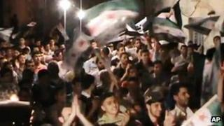 Screengrab of video purportedly showing anti-government protest at Aleppo University (1 May 2012)