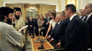 The new cabinet is sworn in in Athens, 17 May