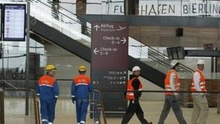 Workmen at Berlin Brandenburg Airport (12 May 2012)