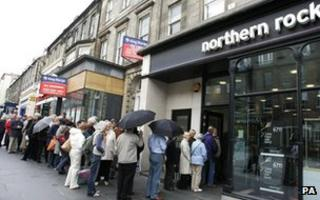 Hundreds of Northern Rock customers queue outside the Edinburgh branch