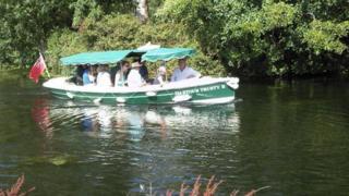 Dedham-Flatford waterbus