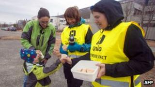Striking workers in Tromsoe (24 May 2012)