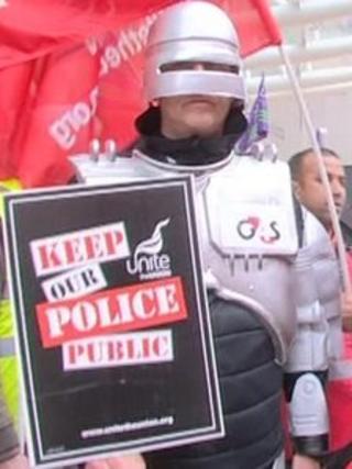 Unite union police protest