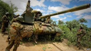 An African Union tank positioned near Afgoye