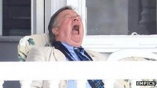 """Ken Clarke """"chillaxing"""""""