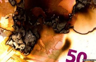 Burning euro notes