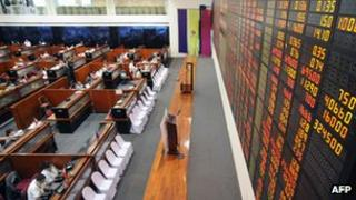 Traders at the Philippine stock exchange