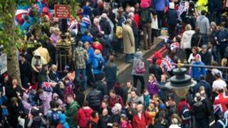 Crowds at the Thames Royal Pageant