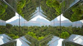 Olafur Eliasson's Viewing Machine (2001) - a large kaleidoscope-like machine that uses the Inhotim landscape as its main element