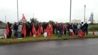 Coryton workers in protest near site