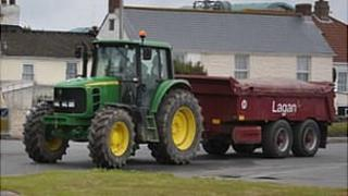 Lagan Construction tractor and trailer