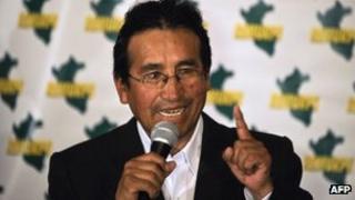 Oscar Mollohuanca speaking after being released on 13 June