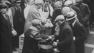 People in 1930s queuing for food
