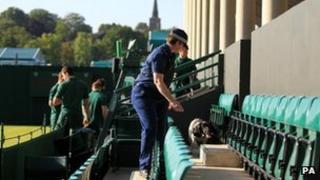 Police dog checks Wimbledon