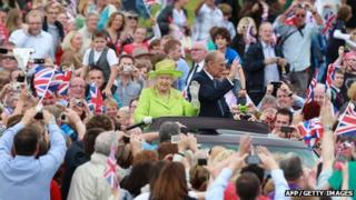 The Queen and Duke of Edinburgh were driven through the grounds of Stormont