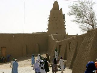 A mosque in Timbuktu, Mali (image from April 2006)