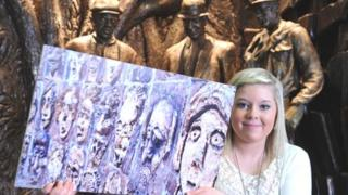 """""""The Audience"""" sculpture inspired the winning junior photograph, taken by 14-year-old Caitlin Donald from Glenrothes"""