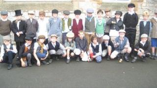 Ysgol Llanfair Dyffryn Clwyd pupils dressed as Victorian children
