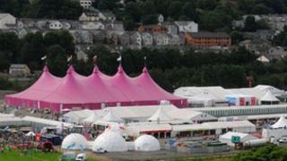 Maes yr Eisteddfod Genedlaethol yng Nglyn Ebwy yn 2010