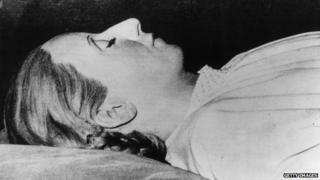 Eva Peron's body in 1952