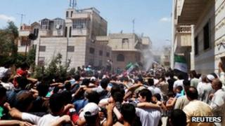 Crowds in Syria