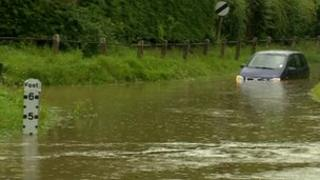 A stranded car in Caxton