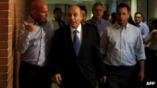 Shaul Mofaz (centre) arrives at a meeting of Kadima MPs (11 July 2012)
