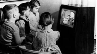 Children watching TV in 1950
