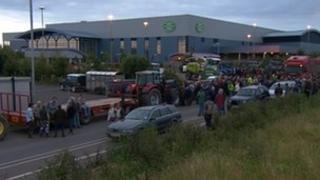 Milk protest outside Robert Wiseman plant near M5, Bridgwater
