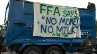 Milk prices protest in Droitwich