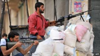 Syrian rebels in the Aleppo district of Salahaddin (23 Jul 2012)