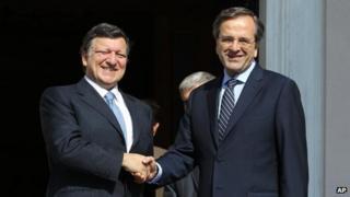 Greek PM Antonis Samaras (R) and European Commission President Jose Manuel Barroso in Athens (26 Jul 2012)