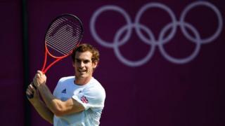 Andy Murray faces Stanislas Wawrinka